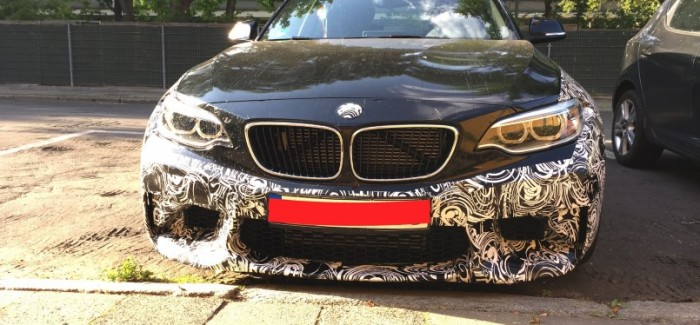 BMW M2 test car spied close up – Video