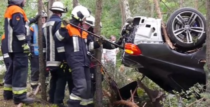 BMW M4 Crashes Into Forest (5)