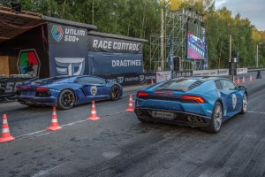 Drag Race - Stock Lamborghini Aventador vs Stock Huracan