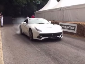 Hypercar and Supercar Burnout Competition (1)