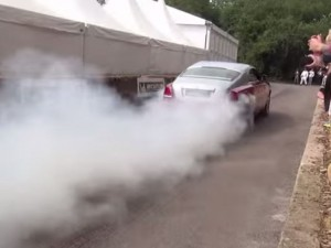 Hypercar and Supercar Burnout Competition (3)