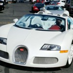 Mayweather causing a riot with Bugatti in Hollywood (2)