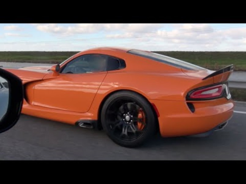 street race nos c6 corvette z06 vs 2014 srt viper ta video dpccars. Black Bedroom Furniture Sets. Home Design Ideas