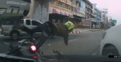 Two idiot road ragers cause a massive motorcycle accident