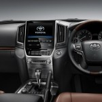 2016 Toyota Land Cruiser - Official (27)