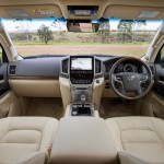 2016 Toyota Land Cruiser - Official (29)