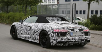 2017 Audi R8 Spyder spy photos (11)