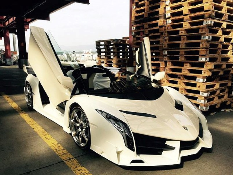 A Girl Owns This 4 4 Million Lamborghini Veneno Roadster