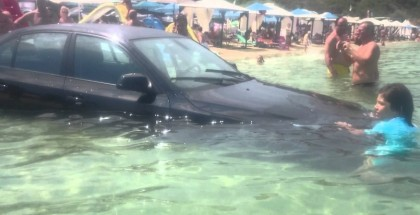 BMW 5 Series plunges into the ocean (2)