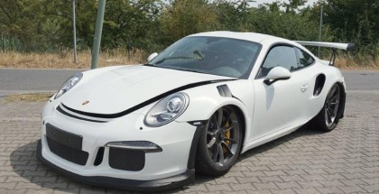 Brand new Porsche 991 GT3 RS Crashed (2)