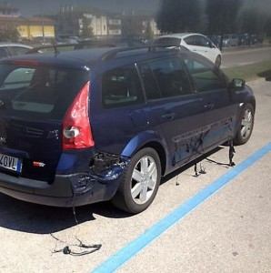 Cars are being melted by the super hot weather in Italy (2)