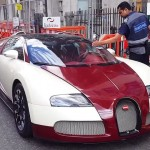 Double parked Bugatti Veyron gets a parking ticket (1)