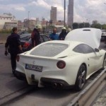 Ferrari F12 Berlinetta catches fire (2)