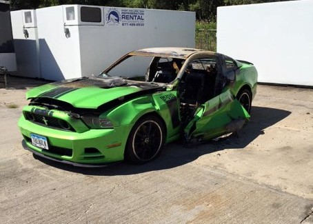 Ford Mustang Boss 302 Set on Fire by Vandals