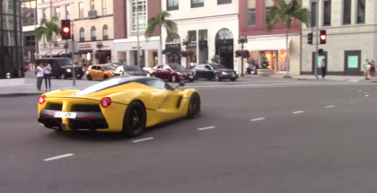 LaFerrari burnout and powerslide in Beverly Hills (1)