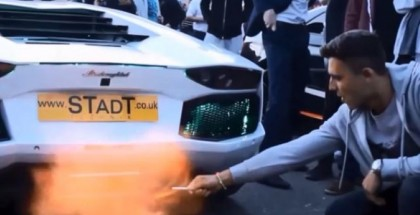 Lighting a Cig with Lamborghini Exhaust Flame (1)