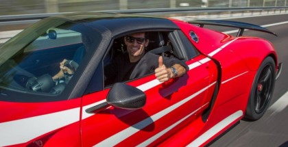 Mark Webber gets his Porsche 918 Spyder (7)