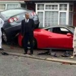 Rented Ferrari 458 crashed into a house and VW  (3)