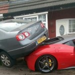 Rented Ferrari 458 crashed into a house and VW  (4)