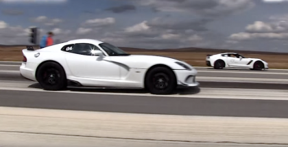 Roll Race - Bolt on C7 Corvette Z06 vs 2014 SRT Viper (2)