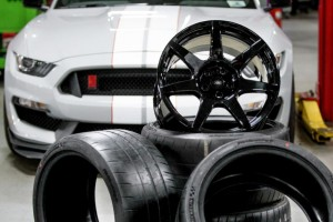 Shelby GT350R Mustang carbon fiber wheels Retail for nearly $30,000 (4)