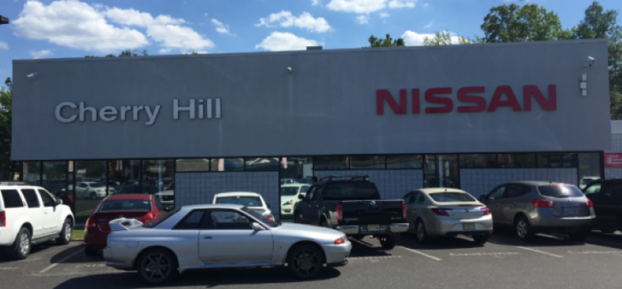 Taking a JDM 1990 Nissan GTR to a US Nissan dealer is comedy waiting to happen – Video