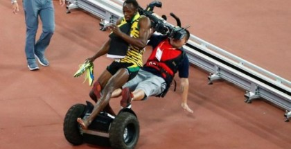 Usain Bolt Gets Creamed by a Segway (2)