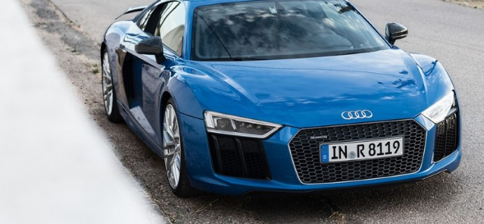 evo – New Audi R8 Review