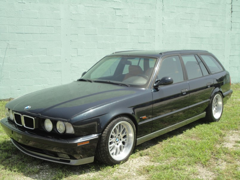 1995 bmw e34 wagon with s38 m5 engine swap dpccars. Black Bedroom Furniture Sets. Home Design Ideas
