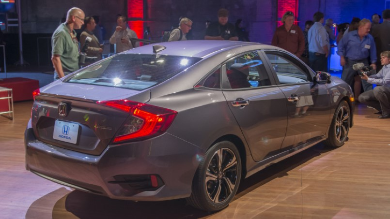 2016 Honda Civic with turbo engine – Official – Video  DPCcars