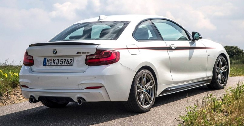 bmw m235i with bmw m performance accessories on a race track video dpccars. Black Bedroom Furniture Sets. Home Design Ideas