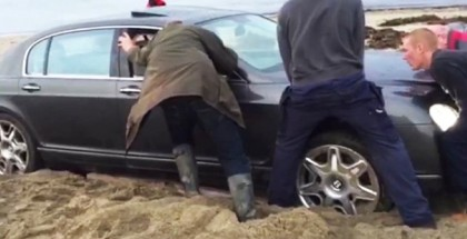 Bentley Continental Flying Spur Stuck In Sand At The Beach (2)