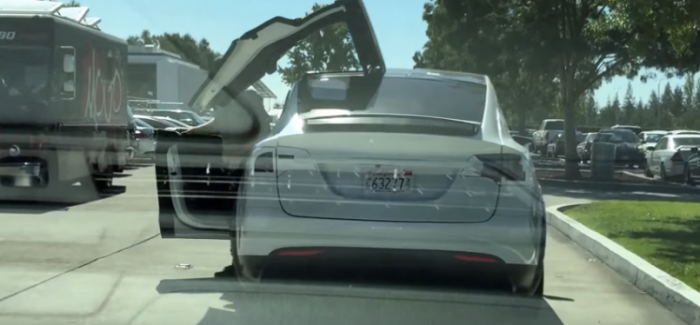 Tesla Model X Doors In Action Outside In A Parking Lot – Video