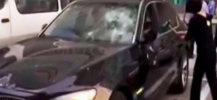 Angry wife destroys cheating husband's BMW 7 series (2)