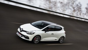 How to use the R.S. Drive on the Clio R.S. 200 EDC and Clio R.S. 220 EDC Trophy (2)