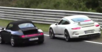 Porsche GT3 avoids crash by going into the grass at Nurburgring