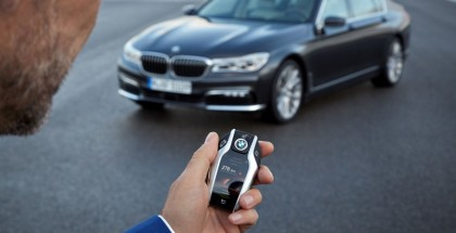 Top 5 Technologies in the 2016 BMW 7 Series (2)