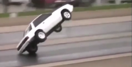 A perfect drag racing fox body Mustang wheelie turns ugly (1)