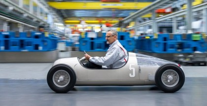 "Audi Toolmaking prints ""Auto Union Typ C"" - Exact model of the ""Silver Arrow"" from a 3D printer"