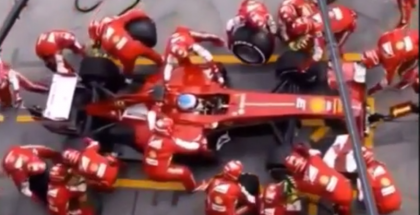 Don't blink or you will miss this super fast pit stop (1)