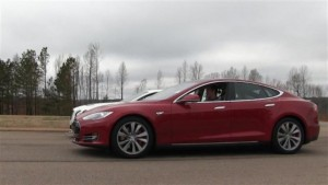 Drag Race - Tesla P90D Ludicrous Mode vs Tesla P85D Insane Mode