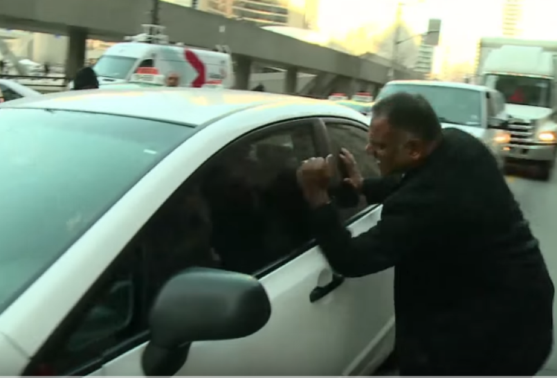 Taxi Driver Confronts Uber Driver And Gets A Free Ride Video Dpccars