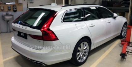 2016 Volvo V90 spied in production form (1)