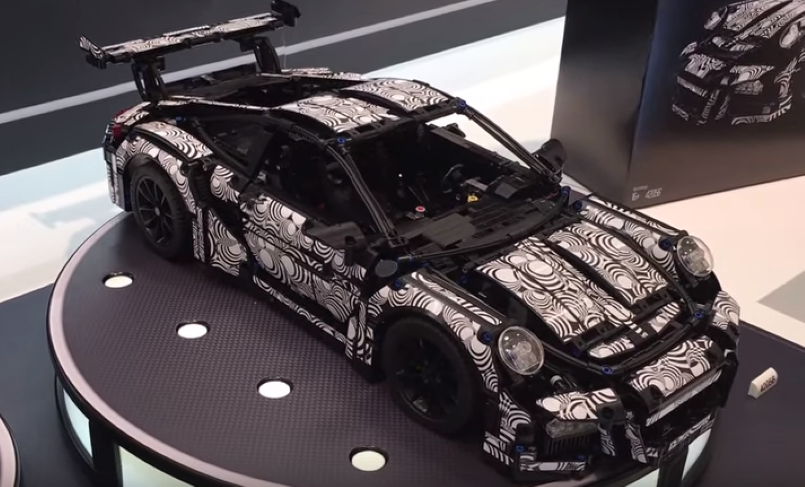 lego technic porsche 42056 looks awesome video dpccars. Black Bedroom Furniture Sets. Home Design Ideas