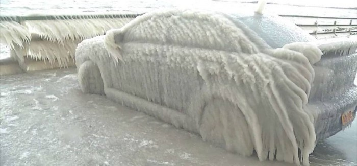 Mitsubishi Lancer Frozen In Ice Rescued – Video