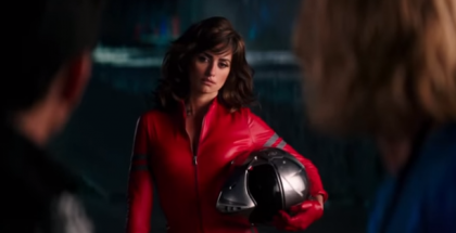 Penelope Cruz Riding MV Agusta in Zoolander 2 (2)