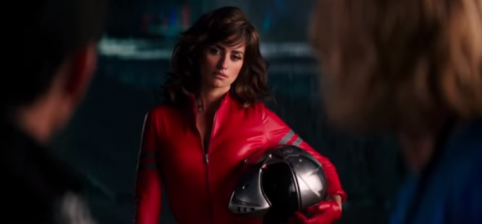 Penelope Cruz Riding MV Agusta in Zoolander 2 – Video