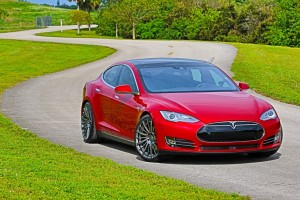 Tesla Model S Picks Owner With New Summon Feature (2)