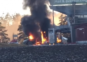 Tesla Model S fire not caused by Supercharger (2)