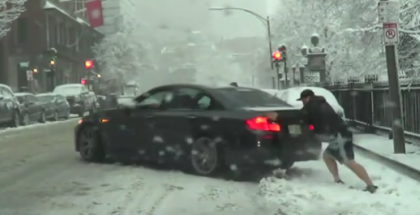 BMW M5 without winter tires or chains is a big mistake in the snow (1)